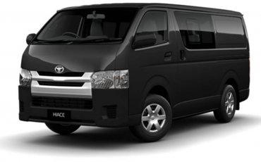 Van Rental: Toyota HiAce Manual
